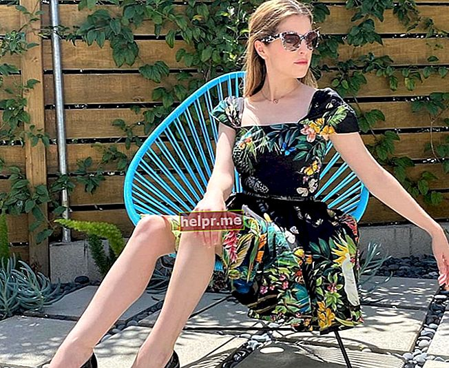 Kristen Wiig Înălțime, greutate, vârstă, statistici corporale