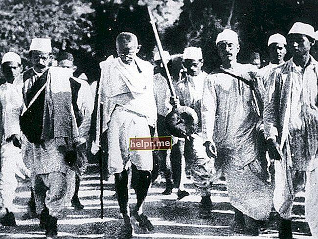 Mahatma Gandhi Înălțime, vârstă, familie, fapte, biografie
